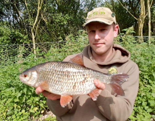 rocklands mere fishery norfolk roach
